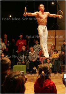 AD/HC - DEMONSTRATIE Yuri van Gelder - presentatie nieuwe Sportpas - DELFT B1 MAART 2008 - FOTO NICO SCHOUTEN