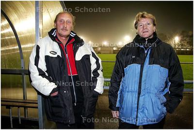 AD/HC - trainersduo Karel Oosterbaan en Ben de Roode van voetbalvereniging HS Texas DZS - DEN HAAG 5 NOVEMBER 2008 - FOTO NICO SCHOUTEN