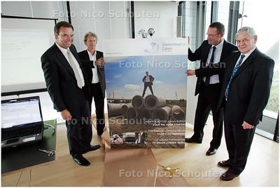 AD/HC - Presentatie eerste nummer nieuw blad voor bedrijfsleven, Zoetermeerse Zaken - ZOETERMEER 4 SEPTEMBER 2008 - FOTO NICO SCHOUTEN