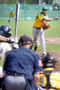 honkbalwedstrijd ADO-Neptunus; ADO-pitcher Ludwin Obispo - DEN HAAG 11 APRIL 2009 - FOTO NICO SCHOUTEN