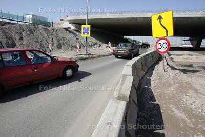 HDT werkzaamheden kruising A12-N209 - BLEISWIJK 10 APRIL 2009 - FOTO NICO SCHOUTEN