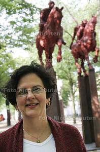 Martha Barnes, expat bij Lyondellbasell - DEN HAAG 4 AUGUSTUS 2009 - FOTO NICO SCHOUTEN