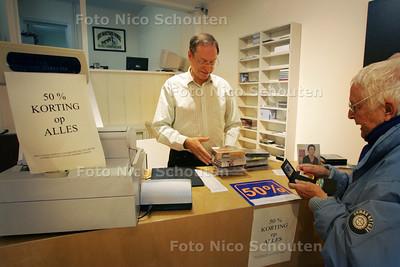 Harm Meijer is eigenaar van Caminada Classics, een winkel die gespecialiseerd is in klassieke muziek. Die winkel houdt er na bijna 85 jaar mee op - DEN HAAG 5 AUGUSTUS 2009 - FOTO NICO SCHOUTEN