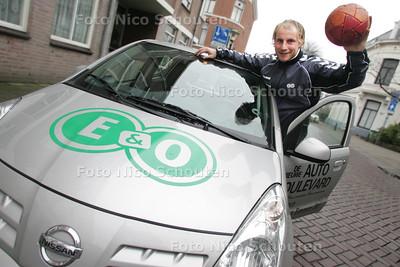 Handbal: Leon van Schie van E&O - DEN HAAG 9 DECEMBER 2009 - FOTO NICO SCHOUTEN