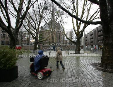 Den Haag presenteert nieuw Binnenstadsplan.Verhaal Maarten Brakema. Vernieuwde  Rabbijn Maarsenplein is een voorbeeld hoe het moet worden - DEN HAAG 4 DECEMBER 2009 - FOTO NICO SCHOUTEN