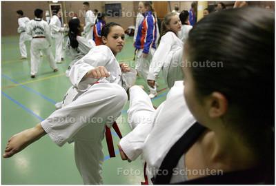 AD/HC - Taekwonda Pricilla Wammes tijdens de training, (afgelopen weekend 3e op het NK) - DEN HAAG 4 FEBRUARI 2009 - FOTO NICO SCHOUTEN