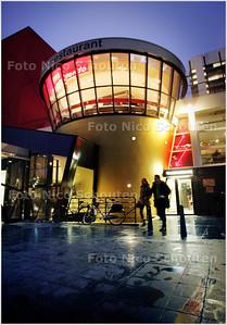 AD/HC - Heropening hoog gelegen cafe Piccolo Mundo in het complex van de Spuizalen (Philispzaal/Danstheater) - DEN HAAG 5 FEBRUARI 2009 - FOTO NICO SCHOUTEN