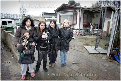 AD/HC - Laatste bewoners van woonwagenkamp Escamplaan - DEN HAAG 2 FEBRUARI 2009 - FOTO NICO SCHOUTEN