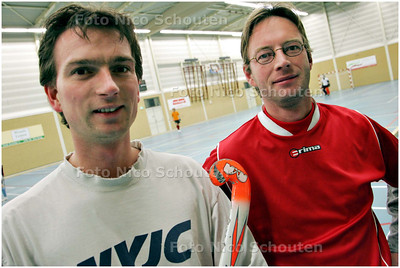AD/HC - ZAALHOCKEY; Hudito-aanvoerder Yves du Bois (l) en Hudito-coach Arjan Verburg - DEN HAAG 7 JANUARI 2009 - FOTO NICO SCHOUTEN