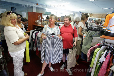 Leger des Heils ruimt op - ZOETERMEER 28 JUL I 2009 - FOTO NICO SCHOUTEN