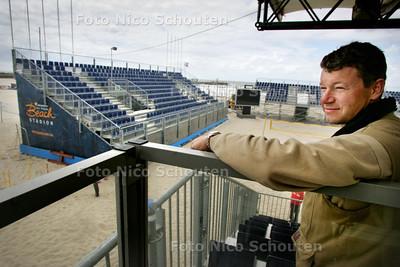 HDT  arnold manhoudt, bouwer beachstadion scheveningen - DEN HAAG 4 JUNI 2009 - FOTO NICO SCHOUTEN