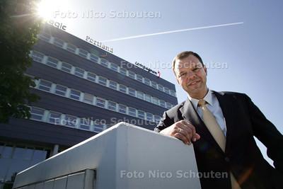 Raad voor Ondernemend Zoetermeer-voorzitter Johan Burger. RVOZ bestaat tien jaar - ZOETERMEER 2 JUNI 2009 - FOTO NICO SCHOUTEN