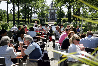 Terassentest: Village Lounge - VOORBURG 2 JUNI 2009 - FOTO NICO SCHOUTEN