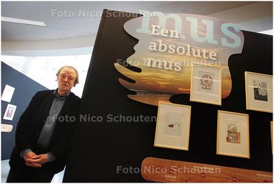 """AD/HC - MIDAS DEKKER - opening """"Een absolute mus"""" in de Haagse centrale bibliotheek - DEN HAAG 14 MAART 2009 - FOTO NICO SCHOUTEN"""