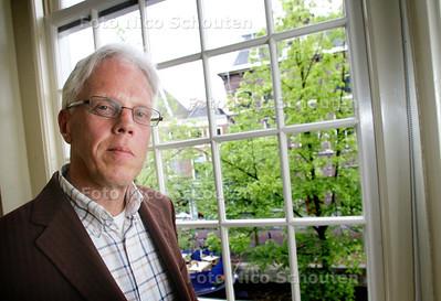 directeur Andries Ponsteen van het Erfgoedhuis - DELFT 5 MEI 2009 - FOTO NICO SCHOUTEN