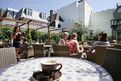 Terassentest: Haagse Lounge - DEN HAAG 30 MEI 2009 - FOTO NICO SCHOUTEN