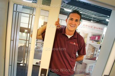 HDT / michel vd burg, voetballer dwo - ZOETERMEER 14 MEI 2009 - FOTO NICO SCHOUTEN