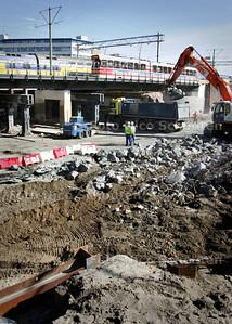 Sinds vandaag rijden er weer trams over het nieuwe viaduct bij de Put - DEN HAAG 28 MEI 2009 - FOTO NICO SCHOUTEN