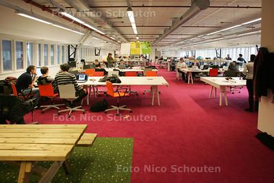HDT - rondleiding nieuwe gebouw TU Bouwkunde - DELFT 6 MEI 2009 - FOTO NICO SCHOUTEN