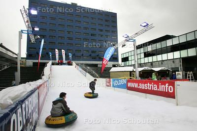 Oostenrijk op het spuiplein - DEN HAAG 7 NOVEMBER 2009 - FOTO NICO SCHOUTEN