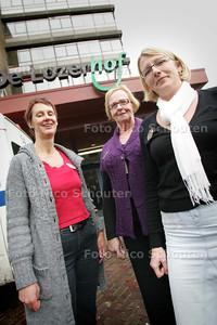 conny muller (r) heeft een project om dementerenden langer zelfstandig te laten zijn - DEN HAAG 5 NOVEMBER 2009 - FOTO NICO SCHOUTEN