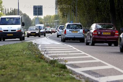 In de conceptbegroting van Rijswijk staat dat de Prinses Beatrixlaan gaat worden veerbreed. Het gaat om het gedeelte tussen de A4 richting Delft - RIJSWIJK 13 OKTOBER 2009 - FOTO NICO SCHOUTEN
