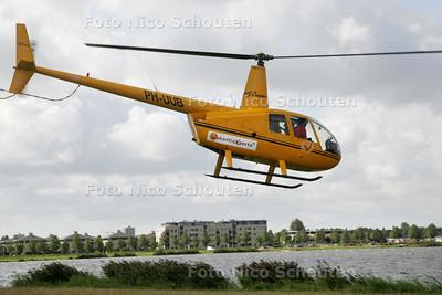 Helivluchten boven Zoetermeer, startplaats Noord Aa.  georganiseerd door reisbureau VakantieXperts - ZOETERMEER 5 SEPTEMBER 2009 - FOTO NICO SCHOUTEN
