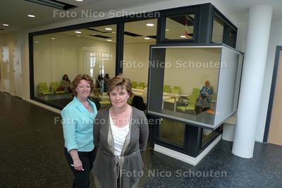 manager Karin Niggebrugge (r) en hoofd apotheek Inge Stollman het nieuwe gezondheidscentrum in Leidschenveen - DEN HAAG 19 APRIL 2010 - FOTO NICO SCHOUTEN