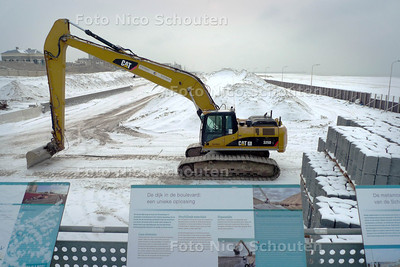 Verbreding strand schevingen werkzaamheden zijn (NOG NIET!!!) afgerond. - DEN HAAG 2 DECEMBER 2010 - FOTO NICO SCHOUTEN