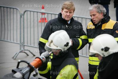 Prins Willem-Alexander op bezoek bij de Wassenaarse Brandweer - WASSENAAR 5 FEBRUARI 2010 - FOTO NICO SCHOUTEN