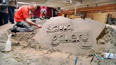 Sand Gallary geopend in Atlantic Hotel Kijkduin - DEN HAAG 12 FEBRUARI 2010 - FOTO NICO SCHOUTEN