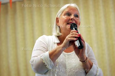 Sing-in 50+Songfestival - Dorine Bij - DEN HAAG 28 JUNI 2010 - FOTO NICO SCHOUTEN