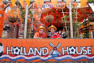 Oranjehuis Olieslagerslaan 39 Gerard Langerak en El Pronk - DEN HAAG 21 JUNI 2010 - FOTO NICO SCHOUTEN