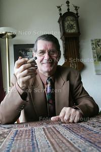 Het vermaarde raadslid Piet Jansen - VOORBURG 15 MAART 2010 - FOTO NICO SCHOUTEN