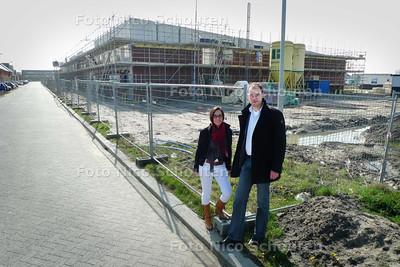 Maarten Ebbing bij nieuw schoolgebouw Noorderlicht in aanbouw - ZOETERMEER 23 MAART 2010 - FOTO NICO SCHOUTEN