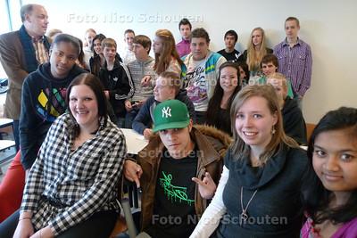 DANSVOORSTELLING in de klas, picasso lyceum ???????????? - ZOETERMEER 18 MAART - FOTO NICO SCHOUTEN