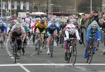 finish 57ste editie Witte Kruis Classic - KIJKDUIN DEN HAAG - 13 MAART 2010 - FOTO NICO SCHOUTEN