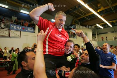 Badminton VELO landskampioen - DEN HAAG 1 MEI 2010 - FOTO NICO SCHOUTEN