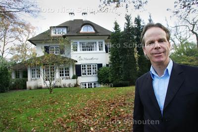 Jack Driessen voor zijn Villa Haesekamp, luxe woonvoorzieining voor bejaarden - WASSENAAR 16 NOVEMBER 2010 - FOTO NICO SCHOUTEN