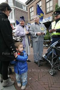 Politie-actie op de Herenstraat tegen zakkenrollers - RIJSWIJK 18 NOVEMBER 2010 - FOTO NICO SCHOUTEN