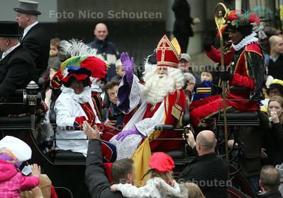 Intocht Sinterklaas - ZOETERMEER 13 NOVEMBER 2010 - FOTO NICO SCHOUTEN
