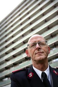 Maarten Hoqué, voorganger van de kerkelijke gemeente van het Leger des Heils in Zoetermeer - DEN HAAG 12 NOVEMBER 2010 - FOTO NICO SCHOUTEN