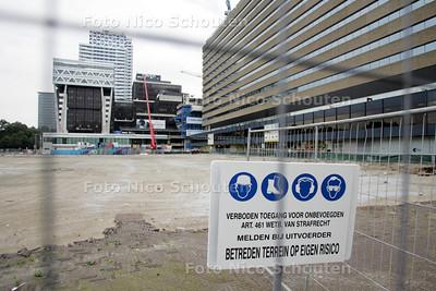 Voorlopig wordt er niet gebouwd op de open plek voor het Centraal Station - DEN HAAG 4 OKTOBER 2010 - FOTO NICO SCHOUTEN