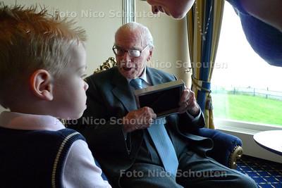 Maarten Johan van der Bent wordt 105 en is de oudste man van Den Haag - DEN HAAG 7 AUGUSTUS 2010 - FOTO NICO SCHOUTEN