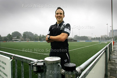 Edwin van de Graaf, voetbalscheidsrechter Jupiler League - VOORBURG 10 AUGUSTUS 2010 - FOTO NICO SCHOUTEN