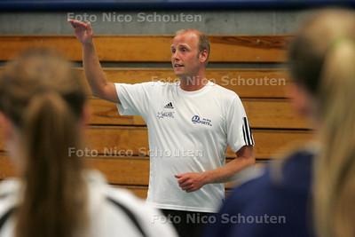 Handbal: Bjorn Budding, trainer Hellasdames - DEN HAAG 3 AUGUSTUS 2010 - FOTO NICO SCHOUTEN