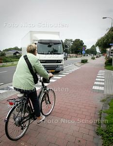 Splitsing Verweijweg/Noordeindseweg - Gevaarlijke kruisingen Lansingerland - BERKEL EN RODENRIJS 2 SEPTEMBER 2010 - FOTO NICO SCHOUTEN