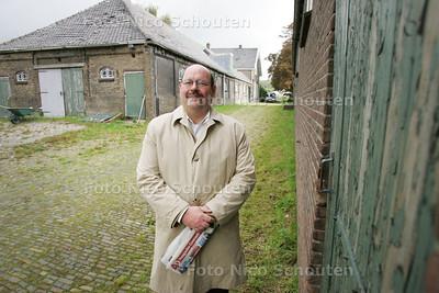 jan van der velde wil in de oude annahoeve een nationaal zuivelmuseum vestigen - ZOETERMEER 24 SEPTEMBER 2010 - FOTO NICO SCHOUTEN