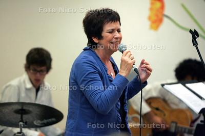 Euro+ Songfestival voor 50-plussers - Nellie Beuk - FOTO NICO SCHOUTEN