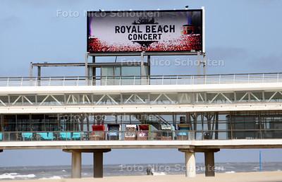 Persconferentie Walk of Fame, Royal Beach Concert, mega videoscherm op de pier- DEN HAAG 12 MAART 2011 - FOTO NICO SCHOUTEN - cultuur